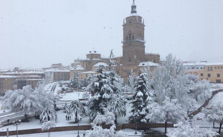 Copiosa nevada en todo el Geoparque de Granada.